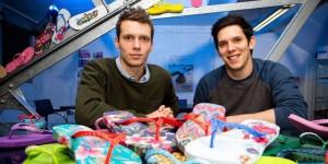 Bạn trẻ - Cuộc sống - 2 anh em mồ côi thành triệu phú sau thảm họa kinh hoàng