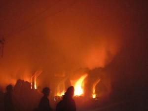 Tin tức trong ngày - Quảng Bình: Cháy chợ lúc rạng sáng, nhiều gian hàng bị thiêu rụi