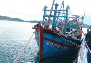 Tin tức Việt Nam - Thừa Thiên- Huế: Cứu sống 10 ngư dân bị chìm tàu trên biển