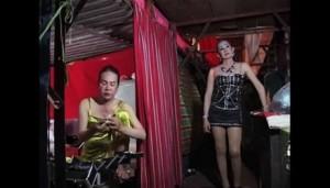 Phê bình điện ảnh - Phim về người chuyển giới hút khách