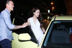 Hương Giang Idol được bạn trai đưa đón đi thi nh�