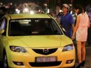 Phim - Những sao Việt giàu có vẫn lái xế hộp bình dân