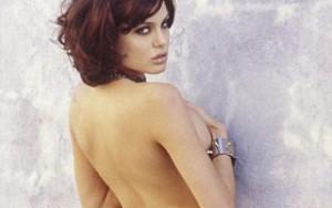 """Ngôi sao điện ảnh - Lộ ảnh """"hư hỏng"""" của Angelina Jolie năm 19 tuổi"""