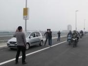 Tin tức Việt Nam - Hà Nội: Bát nháo giao thông trên cầu Nhật Tân