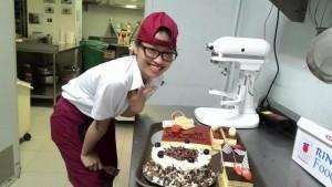 Bạn trẻ - Cuộc sống - Cử nhân rửa bát thuê nuôi đam mê thành đầu bếp