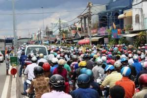 """Tin tức Việt Nam - TP.HCM đề xuất """"chỉ được mua ô tô khi có bãi đậu"""""""