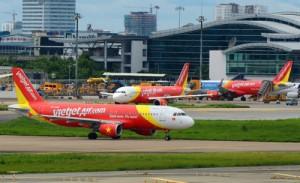 Tin tức trong ngày - Lại hủy chuyến vì chim va vào tàu bay