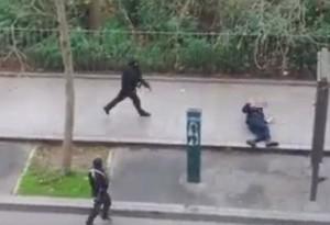 """Tin tức trong ngày - Pháp: Khủng bố dùng kỹ thuật """"nháy cò"""" hạ cảnh sát"""