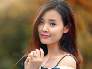 8X + 9X - Hot girl Midu khoe vẻ đẹp thời con gái