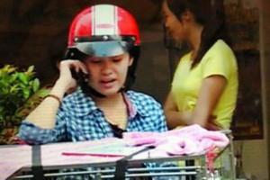 Hậu trường phim - Bất ngờ với hình ảnh Bà Tưng đi bán chó dạo