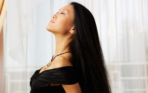Tóc đẹp - Những vitamin thiết yếu giúp mái tóc suôn mượt