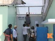 Tin bên lề bóng đá - Khán giả trèo rào xem Công Phượng tập ở Long An