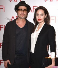 Ngôi sao điện ảnh - Angelina Jolie tiết lộ về việc kết hôn bí mật