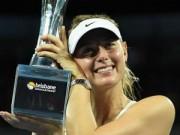 """Tennis - Vô địch Brisbane, Sharapova """"phả hơi nóng"""" lên Serena"""