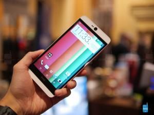 Trên tay HTC Desires 826 mới ra mắt