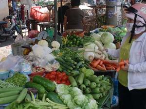 Thị trường - Tiêu dùng - Trời rét, giá thực phẩm tại chợ lại tăng thêm