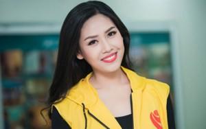 """Thời trang - Nguyễn Thị Loan """"đội"""" mưa rét đi kêu gọi hiến máu"""