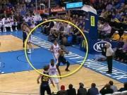 Các môn thể thao khác - NBA: Ghi điểm bằng cú ném rổ ngược cực dị