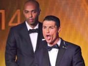 Video bóng đá hot - Henry buồn thiu nhìn Ronaldo nhận giải QBV