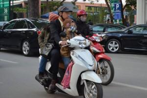 Tin tức trong ngày - Sắp phạt không đội mũ bảo hiểm cho trẻ em