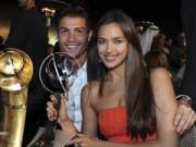 Tin bên lề bóng đá - Tại sao bạn gái vắng mặt trong ngày Ronaldo giành QBV?