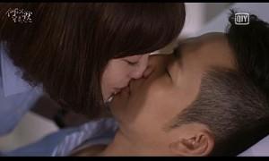 """Hậu trường phim - Nụ hôn hiểu lầm cay đắng của cặp đôi """"Bên nhau trọn đời"""""""