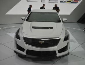 Tin tức ô tô - xe máy - Cadillac CTS-V 2016: Chiếc sedan mạnh mẽ