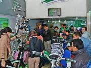 Thị trường - Tiêu dùng - Người dân nô nức mua sắm ngày giáp Tết