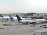 Cảnh giác - Nhân viên sân bay Nội Bài moi kiện hàng, trộm 16 điện thoại