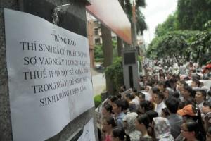 Tin tức trong ngày - Điều kiện thi công chức Hà Nội: Quá chú trọng bằng cấp