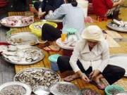Sức khỏe đời sống - Tràn lan tôm độc hại ở chợ