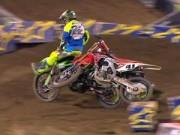 Các môn thể thao khác - Đen đủi, SAO moto bị ''đuổi'' vì trả đũa đối thủ