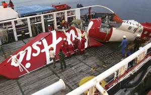 QZ8501 tăng độ cao quá nhanh rồi chết máy