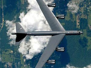 """Mỹ biến """"pháo đài bay"""" B-52 thành siêu máy bay tối tân - 4"""