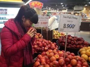 Thị trường - Tiêu dùng - Hà Nội: Táo Mỹ vẫn được bày bán tại nhiều siêu thị