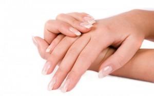 Làm đẹp - 5 biện pháp giải quyết đôi tay ướt mồ hôi