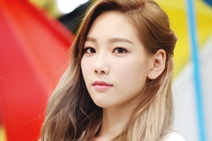 Taeyeon bị ngã tại lễ trao giải Seoul Music Awards