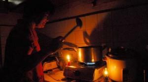 Tin tức trong ngày - Xe trộn bê tông làm mất điện tại 4 quận của Hà Nội