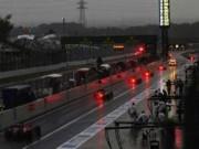 Đua xe F1 - F1 2015: Mang ánh sáng, tránh mưa gió