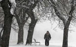 Tin tức trong ngày - Ảnh: Bờ Đông nước Mỹ hứng bão tuyết lịch sử