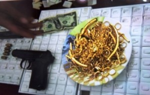 An ninh Xã hội - Đề nghị truy tố nhóm vác súng đi cướp tiệm vàng ở Hà Nam
