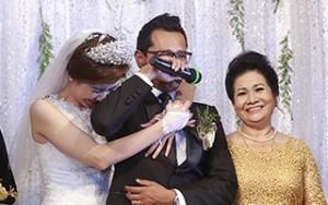 Huỳnh Đông khóc nức nở ngày cưới vợ