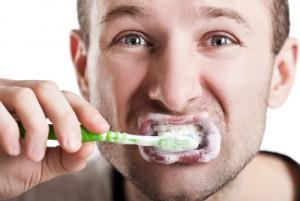 Sức khỏe đời sống - Những thành phần đáng sợ trong kem đánh răng