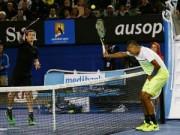 Thể thao - Hài hước: Kyrgios giơ vợt kê bóng kiểu bóng chuyền