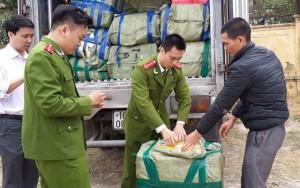 Thị trường - Tiêu dùng - Bắt hàng tấn thủy sản lậu từ Trung Quốc tuồn vào Thủ đô