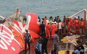 Phi công phụ cầm lái QZ8501 không thể cứu nổi máy bay?
