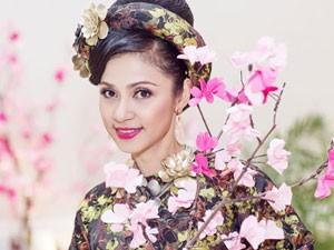 Việt Trinh hóa bà hoàng quyền lực mùa Xuân