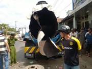 Video An ninh - Nổ xe bồn chở dầu, hai người nguy kịch