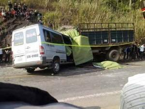 Tin tức trong ngày - TNGT 10 người chết: Tài xế chưa có bằng lái xe khách