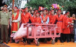 """Tin tức Việt Nam - Lễ hội chém lợn: """"Không hiểu thì đừng đến xem"""""""